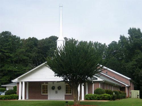 Lilburn Oaks Baptist Church building photo
